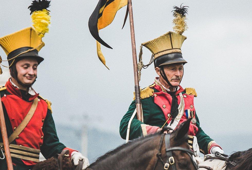 Napoleonská doba dodnes přitahuje množství lidí. I v České republice se lze během roku setkat s mnoha rekonstrukcemi událostí z doby vlády císaře Napoleona Bonaparta. Rekonstrukce napoleonské bitvy u Chlumce. V roli generála se představil herec Vydra.