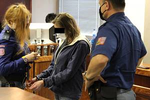 Nadia M. obžalovaná z pokusu o vraždu u krajského soudu 4. února 2021.