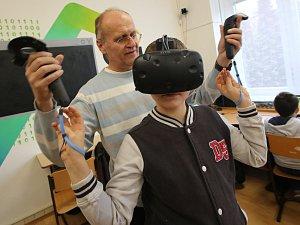 V ZŠ Neštěmická v Ústí nad Labem mají nově vybudovanou učebnu robotiky