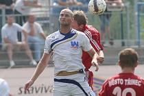 Fotbalisté Ústí (bílí) doma porazili Třinec 3:1.