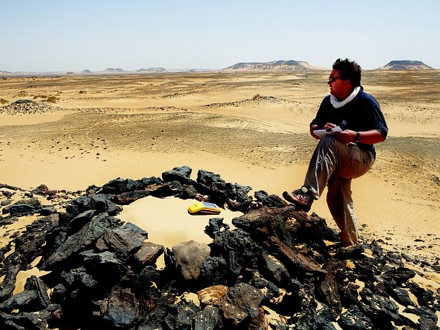 Geodet a pedagog z Fakulty životního prostředí ústecké univerzity Vladimír Brůna se od roku 2001 pravidelně zúčastňuje archeologických výzkumů v Abúsíru.