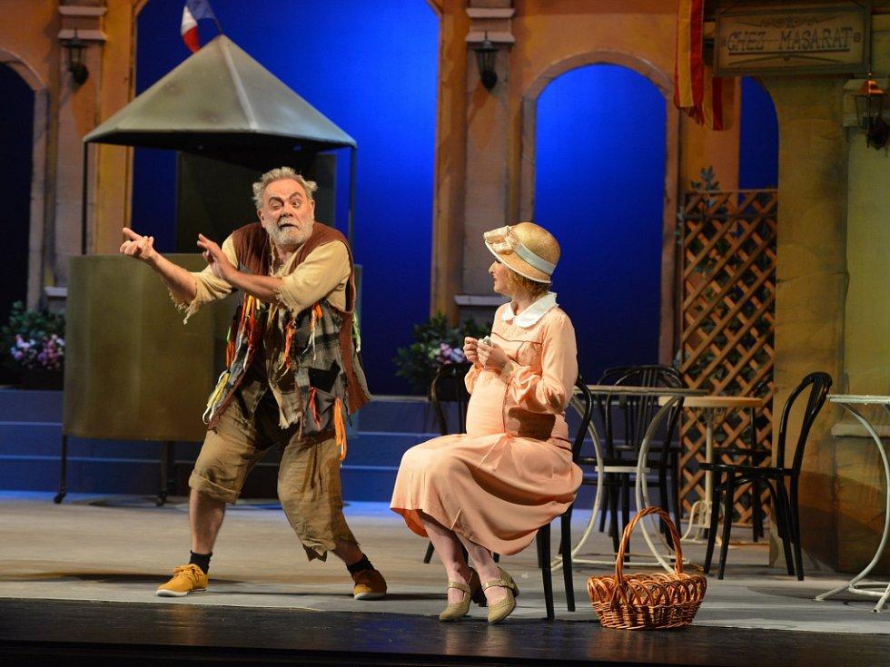 Slavný francouzský muzikál Zvonokosy v nastudování ústeckého divadla.