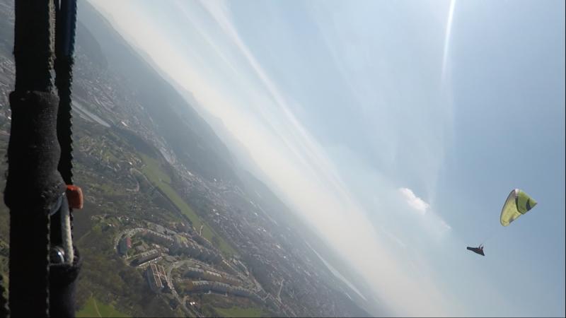 Pohled z nebe na Mariánskou skálu či Dobětice.