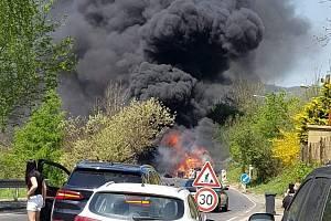 Požár v Malém Březně 11. května zachytila Alena Prádlerová
