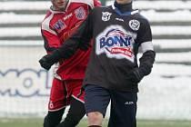 V úvodním duelu Tipsport ligy porazili fotbalisté Ústí na umělé trávě v Děčíně prvoligové Kladno a k úspěšnému výsledku přispěl i Milan Zachariáš (vlevo).