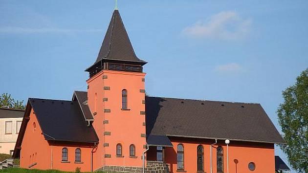 Zajímavý kostel v Poustevně.