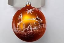Zájemci si mohou koupit pěknou vánoční ozdobu s motivem petrovického kostela