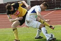 Ústečtí fotbalisté (bílí) doma prohráli s Českými Budějovicemi 1:2.
