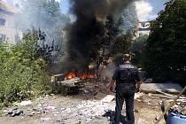 Předlice, sociálně vyloučená Prostřední ulice. Požáry odpadu jsou tu běžný jev. Často u nich strážníci z Ústí bývají první.