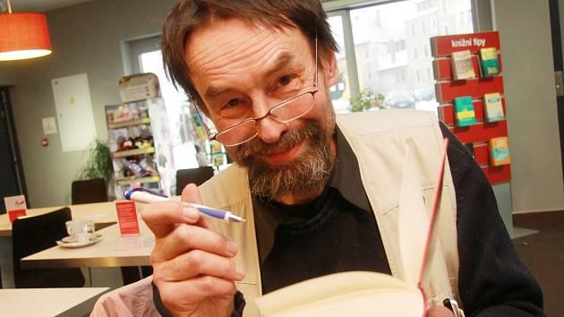 Novinář a spisovatel Jan Bauer.
