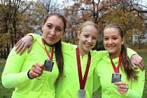 Talentované ústecké sportovkyně Lucie Bílkovská, Tereza Kudláčková a Markéta Mrňáková už ani medaile nepočítají.