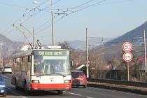 Do ulic Ústí nad Labem se vrátil zrekonstruovaný trolejbus Škoda 21Tr s evidenčním číslem 408.