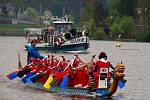 Pátého ročníku závodů dračích lodí ve Vaňově se zúčastnilo 35 posádek.
