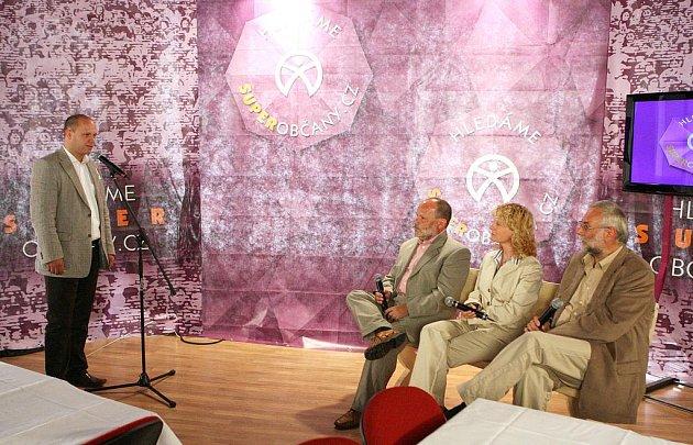 """Reality show s výběrem kandidátů do strany """"Občané CZ"""" se uskutečnila v Ústí nad Labem v Hotelu Vladimír."""