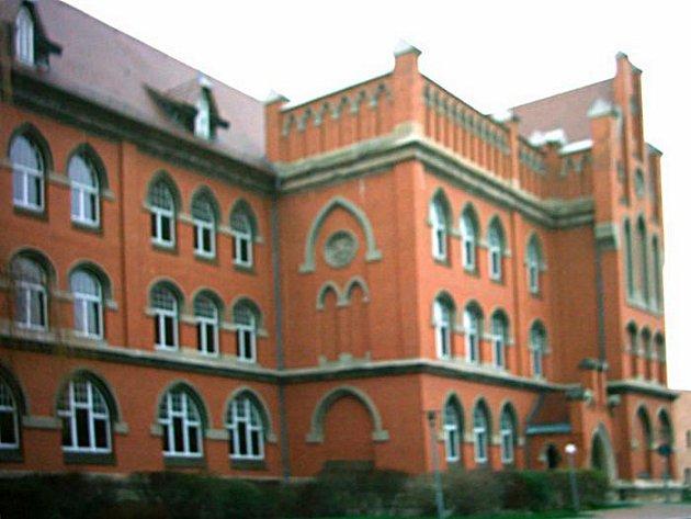 Studovat v Pirně  na zdejším gymnáziu je lákavá možnost.