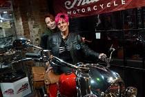 Motorkáři z Moto Garage Clubu Předlice věnovali spanilou jízdu pětiletému Románkovi Voráčkovi z Teplic