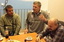 Arno Fišera v sídle YMCA v Krásném Březně debatoval v sobotu s ústeckými sociálními demokraty a příčinách volebního výsledku ČSSD v Ústeckém kraji a možnostech, které nabízí.
