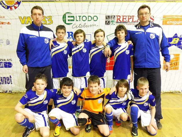 Ústečtí fotbalisté vybojovali na turnaji mladších žáků s názvem Chelsea Bar Cup 2013 pěkné druhé místo.