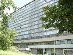 Tragicky skončil pád muže z okna hotelového domu na Severní Terase.