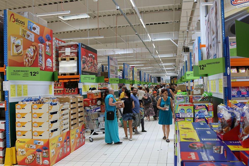 Galerie z otevíracího dne v Tamdafoods ve Všebořicích - foto