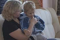 Magdaléna Krejčová, matka pětiletého syna,  je jednou z matek, kterou šokovalo, co se dělo v petrovické mateřské školce.