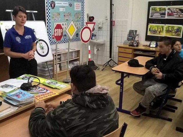Strážníci si připravili pro děti besedu a program z oblasti prevence kriminality a dopravní výchovy.