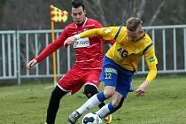 Fotbalisté Ústí (červení) prohráli v Modré s Teplicemi 0:2.