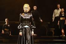 Ssama Gabriela Vermelho ústecký baletní horor Jessie a Morgiana uvádí, ale také v něm hraje na kvinton.