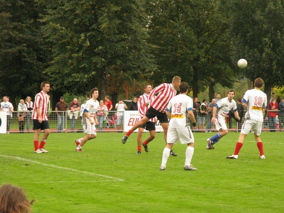 Okresní přebor se v Lovosicích předvedl v charitativním utkání.