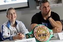 Boxer Lukáš Konečný představil na tiskové konferenci nominaci boxerů pro dubnovou Boxing Live.