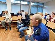 Sedmdesátiletým únoscům hrozí až dvanáct let vězení.