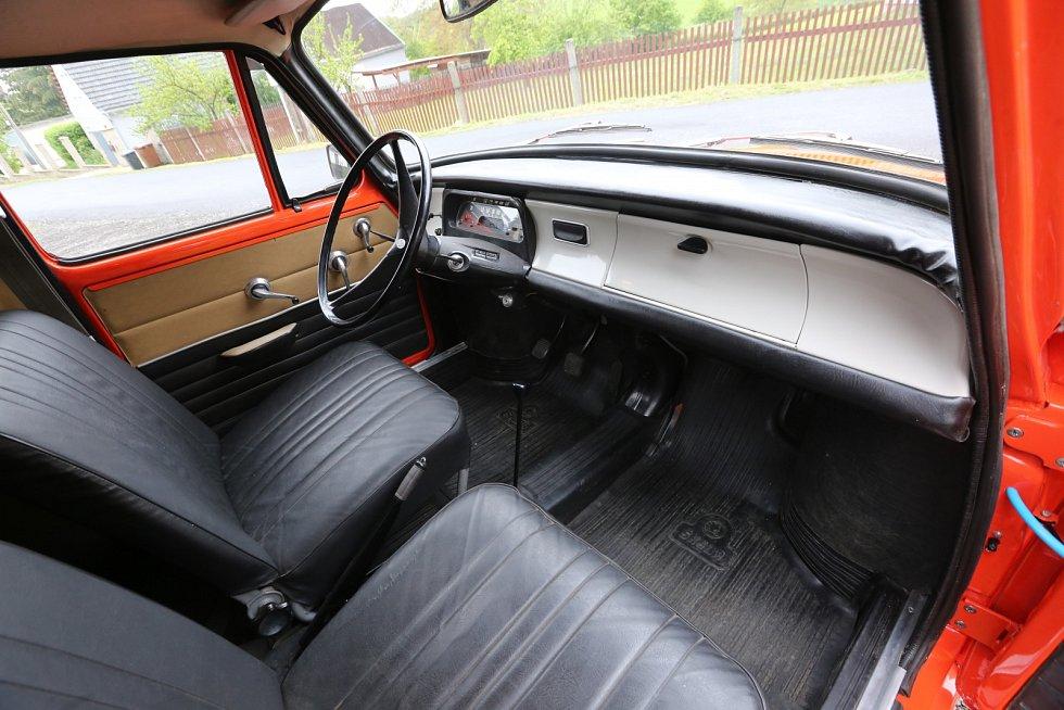 Maxi limuzína vyrobená ze starých škodovek, Škoda MB 1000