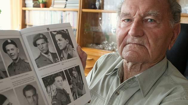 JAROSLAV KLEMEŠ (31. 1. 1922 7. 8. 2017)  Český generál a bojovník proti nacismu byl příslušník československého zahraničního odboje za druhé světové války a příslušník paradesantního výsadku Platinum-Pewter.