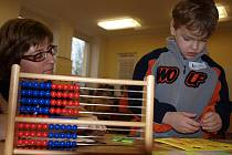 Zápis dětí do prvních tříd pro rok 2012/2013 probíhal ve čtyřech vyzdobených třídách.