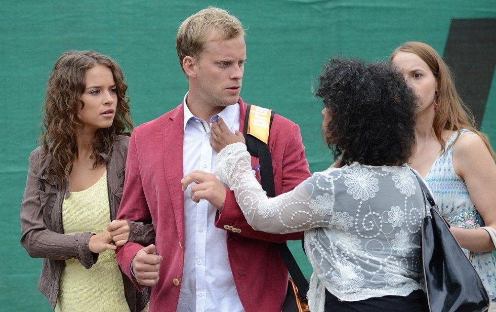 Snímek z filmu 10 pravidel jak sbalit holku.