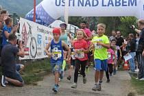 Rychtářská dvanáctka bavila běžce i diváky.