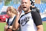 Paddock liga 2019. Ústečtí Blades (černé dresy) přehráli při prvním utkání na městském stadionu Alligators Brno (bílo-zelené dresy) 30:0.