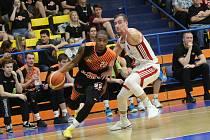 Basketbalový zápas Sluneta Ústí a Svitavy.