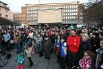 Vyjádřit podporu ústeckému Činohernímu studiu přišlo na 500 lidí.
