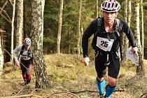 Orientační běh a závod na horských kolech.