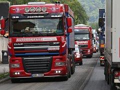 Doprava v Ústí je zatížená kamiony. Uzavírka v Libouchci situaci ještě zhorší.