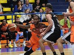 Ústecký basketbalista Devante Wallace.