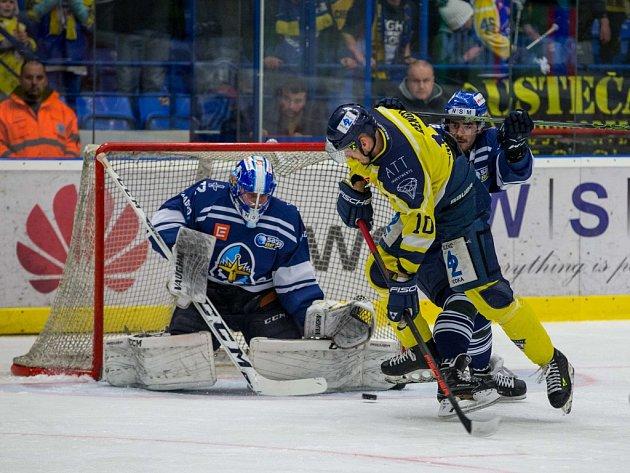 Čtvrtfinálová série WSM Ligy se stěhuje na sever Čech za stavu 2:0 pro Kladno.