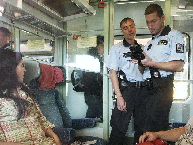Policejní razie ve vlacích směřujících z Ústí do Německa