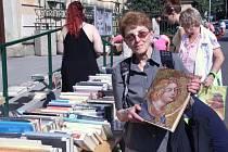 Burza knih v Churchillově ulici v Ústí