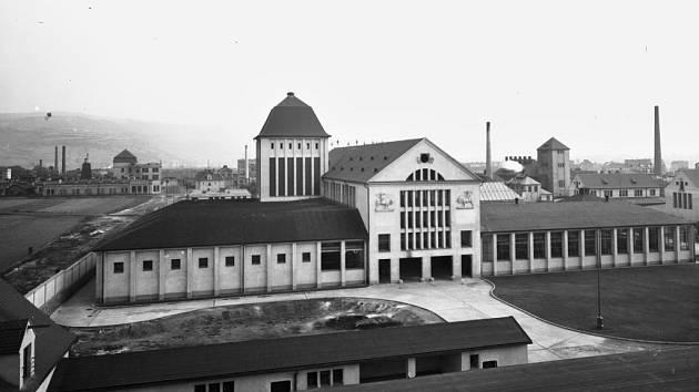 Krátce po dostavbě v roce 1928 nemohla městská jatka pořádně fungovat.