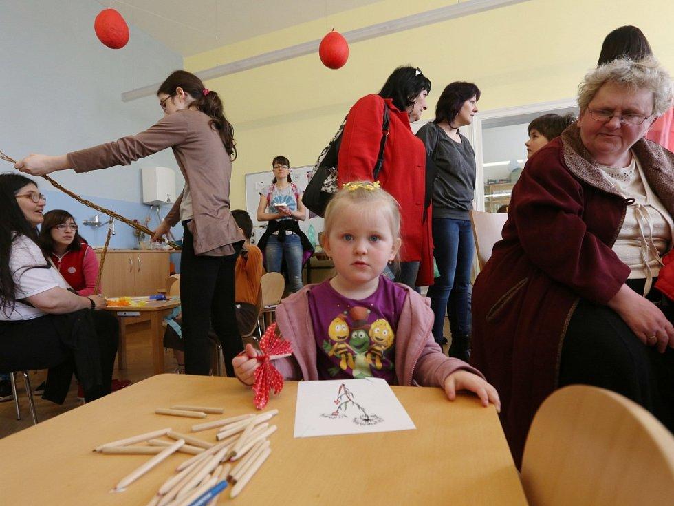 Na sobotní velikonoční trhy v ústeckém muzeu a přilehlém parku letos zavítaly stovky návštěvníků.