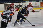 Ústečtí hokejisté (modří) doma porazili Frýdek-Místek 3:1.