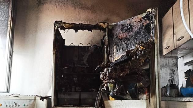 V Hrnčířské ulici v Ústí nad Labem hořela lednice a pračka v kuchyni