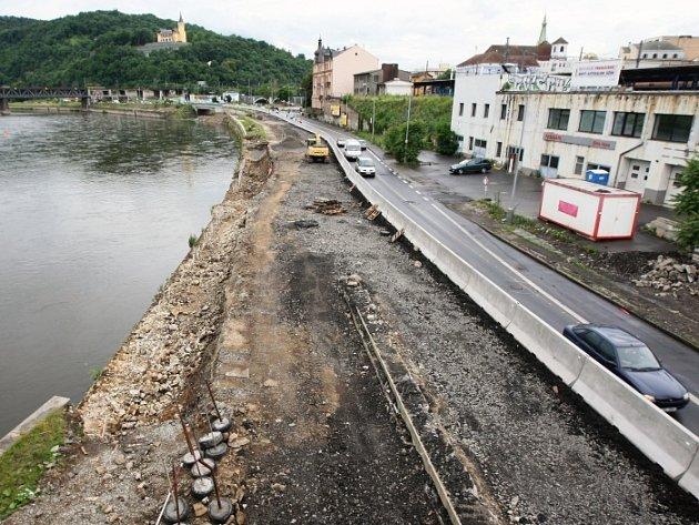 Zastavení výstavby protipovodňových opatření u Labe.